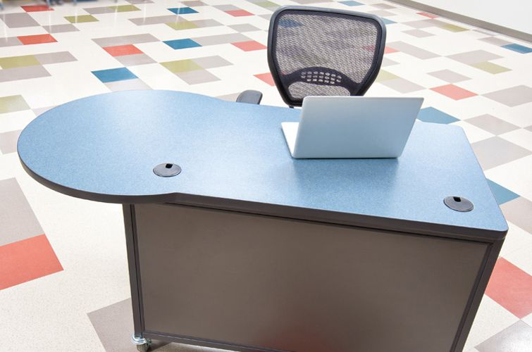 Teachers-Desk_Interior-Concepts-3
