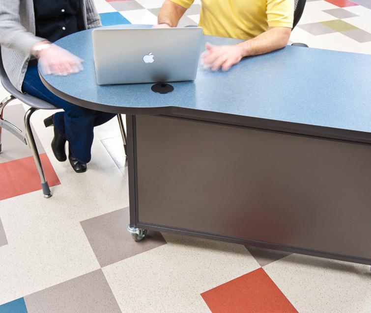 Teachers-Desk_Interior-Concepts-6