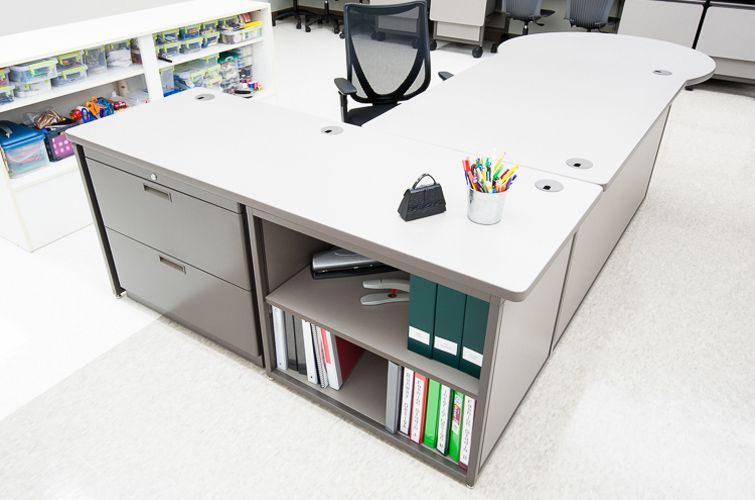 Teachers-Desk_Interior-Concepts-7