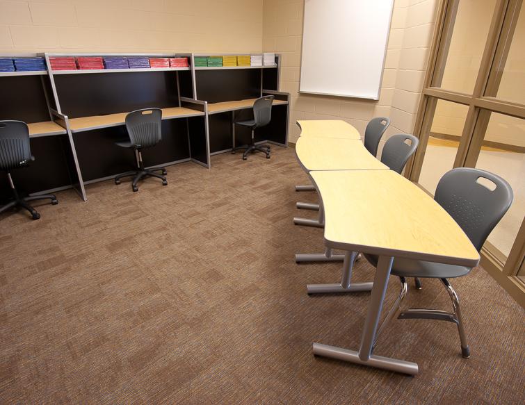Unique-Shape-Office-Tables_Interior-Concepts-1